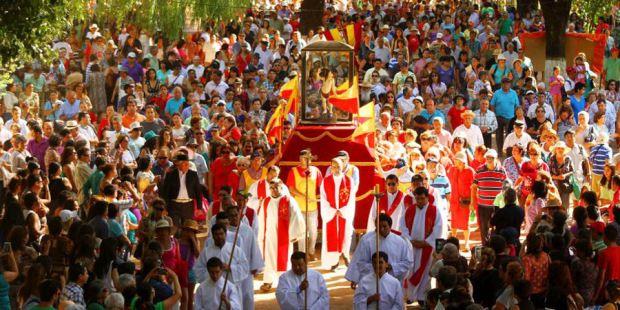 fiesta religiosa popular de la octava región, es por esto que la ciudad de Yumbel es considerada desde siglos una ciudad santuario